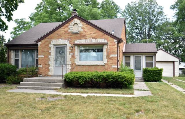 3548 S 48th St, Greenfield, WI 53220 (#1747340) :: RE/MAX Service First