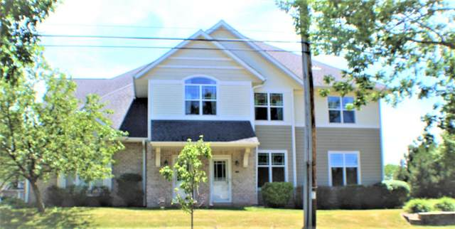 9175 W Cold Spring Rd, Greenfield, WI 53228 (#1747371) :: RE/MAX Service First