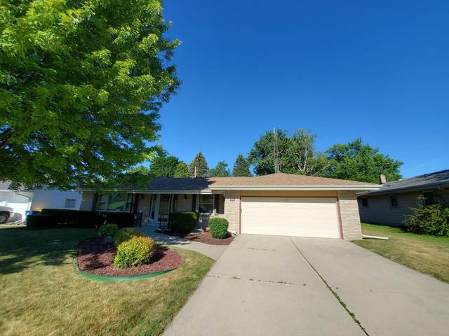9310 S 8th Ave, Oak Creek, WI 53154 (#1747375) :: EXIT Realty XL
