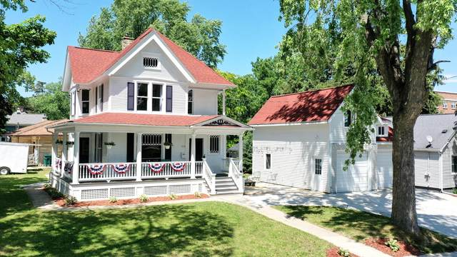 114 High St, Hartford, WI 53027 (#1747377) :: EXIT Realty XL