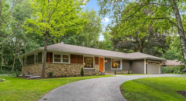 13465 Kinsey Park Dr, Brookfield, WI 53005 (#1747385) :: RE/MAX Service First