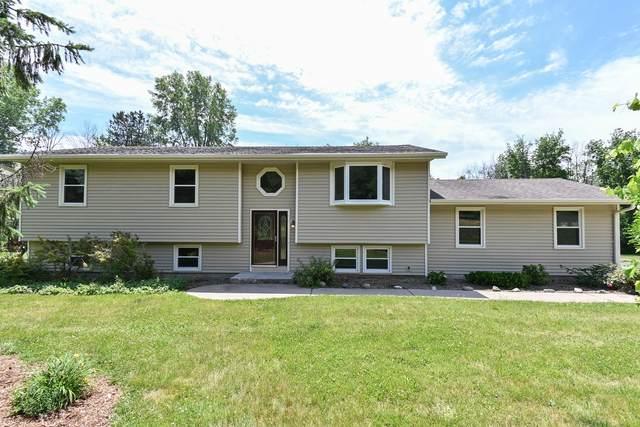 S42W27573 Oak Grove Ln, Waukesha, WI 53189 (#1747431) :: Keller Williams Realty - Milwaukee Southwest