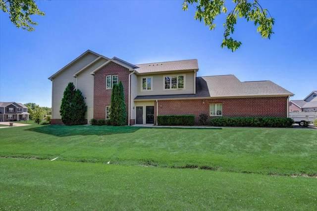 4860 S Forest Ridge Dr, New Berlin, WI 53151 (#1747446) :: Keller Williams Realty - Milwaukee Southwest