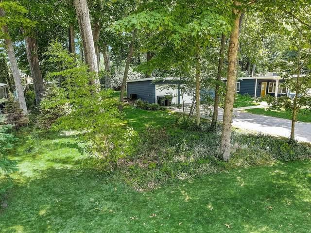 275 Pearson, Lake Geneva, WI 53147 (#1747496) :: Keller Williams Realty - Milwaukee Southwest