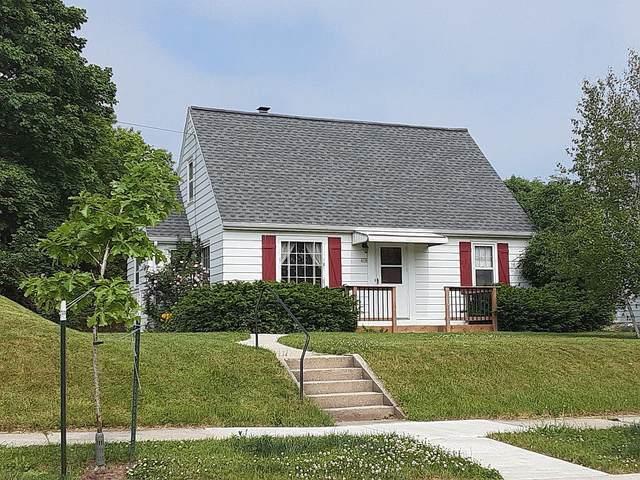 619 S Garfield Ave, Port Washington, WI 53074 (#1747516) :: Keller Williams Realty - Milwaukee Southwest