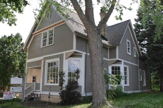 W63N671 Washington Ave, Cedarburg, WI 53012 (#1747571) :: Tom Didier Real Estate Team