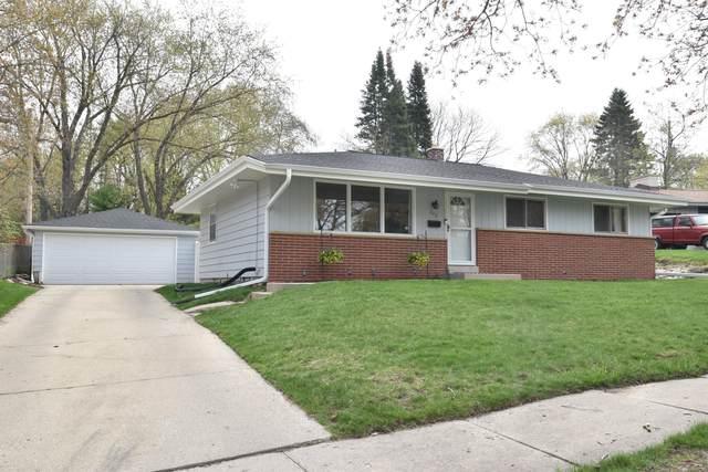 223 Jasper Ln, Waukesha, WI 53188 (#1747652) :: Keller Williams Realty - Milwaukee Southwest