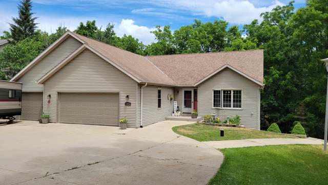 30814 Pleasant View Dr, Waterford, WI 53185 (#1747745) :: Keller Williams Realty - Milwaukee Southwest