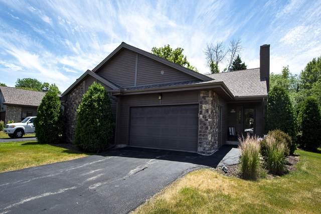 N81W13143 Country Terrace Ln, Menomonee Falls, WI 53051 (#1747814) :: EXIT Realty XL