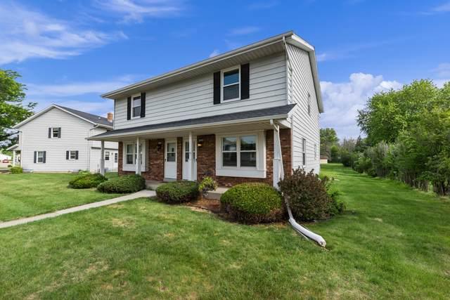 1432 Honeysuckle Rd, Hartford, WI 53027 (#1747930) :: EXIT Realty XL