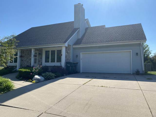 9013 S 26th Street, Oak Creek, WI 53154 (#1747935) :: EXIT Realty XL