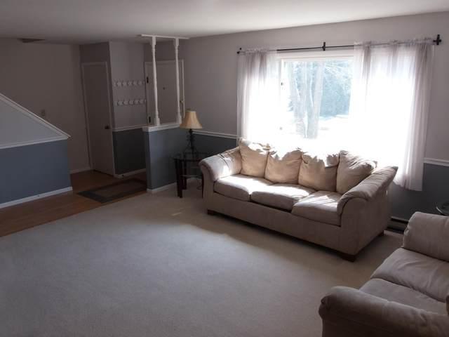 N19W5342 Pierce Ct, Cedarburg, WI 53012 (#1748056) :: Tom Didier Real Estate Team