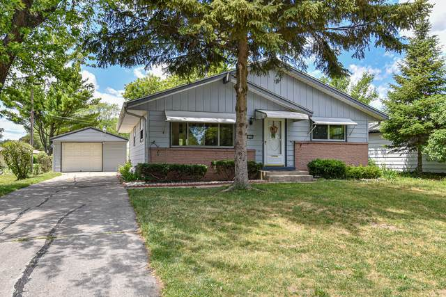 4439 S Placid Dr, Greenfield, WI 53220 (#1748087) :: EXIT Realty XL