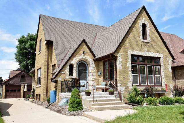 2727 N 71st St, Milwaukee, WI 53210 (#1748090) :: Re/Max Leading Edge, The Fabiano Group