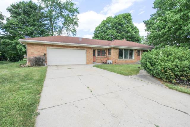 12900 Wembley Rd, Brookfield, WI 53005 (#1748113) :: Re/Max Leading Edge, The Fabiano Group