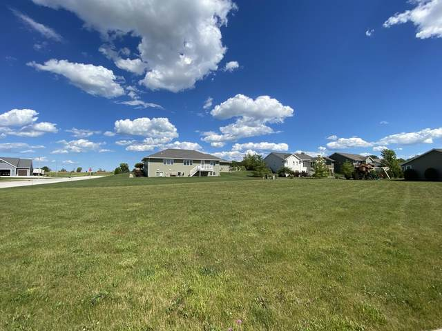 Lt22 Warbler Rd, Howards Grove, WI 53083 (#1748182) :: EXIT Realty XL