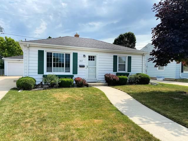1417 Kingston Ave, Racine, WI 53402 (#1748292) :: Re/Max Leading Edge, The Fabiano Group