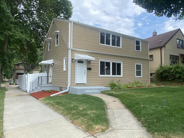 3400 S Chase Ave, Milwaukee, WI 53207 (#1748312) :: Tom Didier Real Estate Team