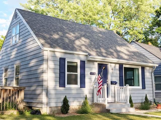 3406 N 87th St, Milwaukee, WI 53222 (#1748326) :: Tom Didier Real Estate Team