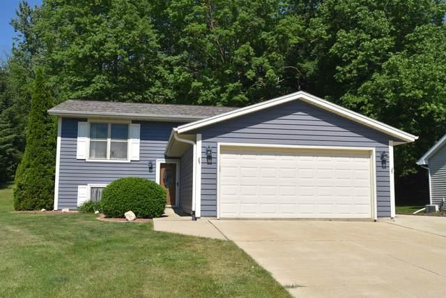 772 Ridge View Dr, Hartford, WI 53027 (#1748385) :: EXIT Realty XL