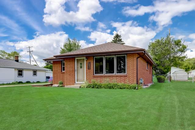 4371 S 59th St, Greenfield, WI 53220 (#1748398) :: Keller Williams Realty - Milwaukee Southwest