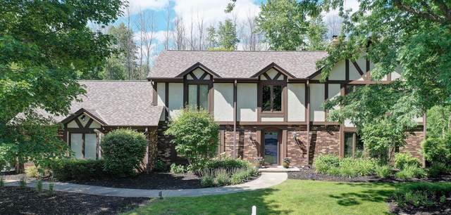 306 W Ravine Baye Rd, Bayside, WI 53217 (#1748415) :: Keller Williams Realty - Milwaukee Southwest