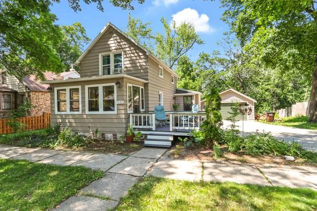 427 Spring St, Lake Geneva, WI 53147 (#1748480) :: Keller Williams Realty - Milwaukee Southwest