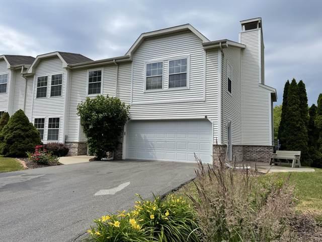 20140 Terrace Dr E, Brookfield, WI 53045 (#1748510) :: Keller Williams Realty - Milwaukee Southwest