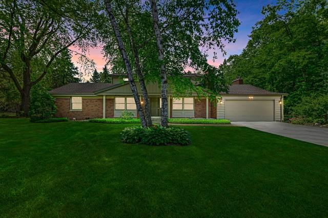 417 E Cedar Ln, Mequon, WI 53092 (#1748525) :: Keller Williams Realty - Milwaukee Southwest