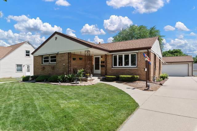 2824 S 103rd St, West Allis, WI 53227 (#1748586) :: EXIT Realty XL