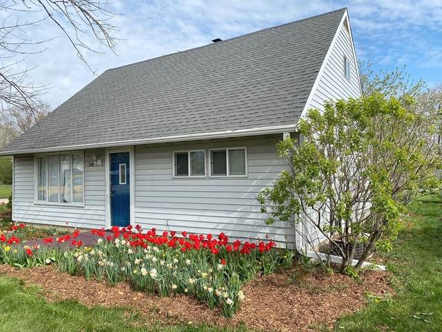 7148 W Allerton Ave, Greenfield, WI 53220 (#1748595) :: EXIT Realty XL