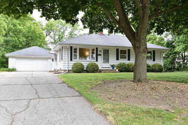 1275 Chester St, Brookfield, WI 53005 (#1748604) :: EXIT Realty XL