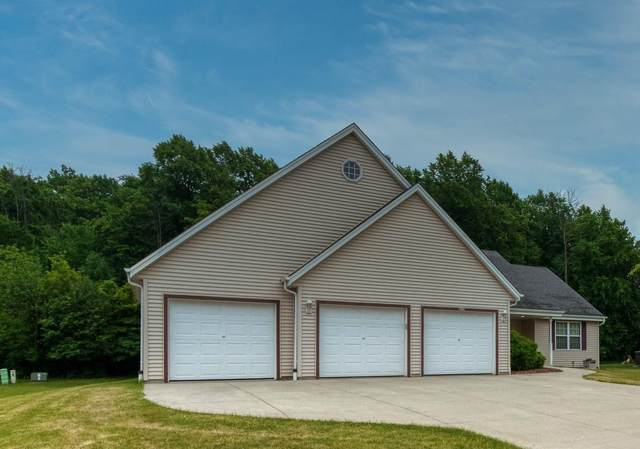 8710 S 6th Ave, Oak Creek, WI 53154 (#1748606) :: EXIT Realty XL
