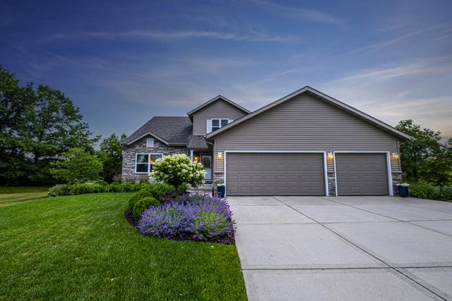 8859 W Silverwood Ct, Franklin, WI 53132 (#1748877) :: Re/Max Leading Edge, The Fabiano Group