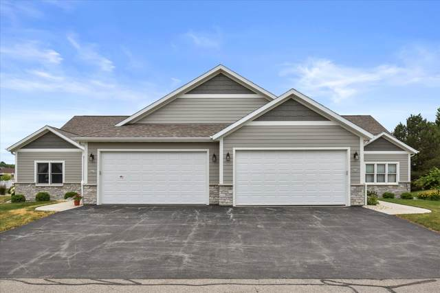 937 Spy Glass Hill, Waterford, WI 53185 (#1748901) :: OneTrust Real Estate