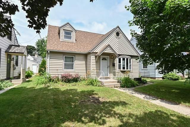 10614 W Rogers St, West Allis, WI 53227 (#1748934) :: Keller Williams Realty - Milwaukee Southwest