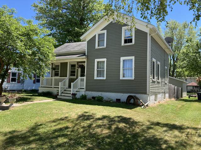 715 Center Ave, Oostburg, WI 53070 (#1748942) :: OneTrust Real Estate