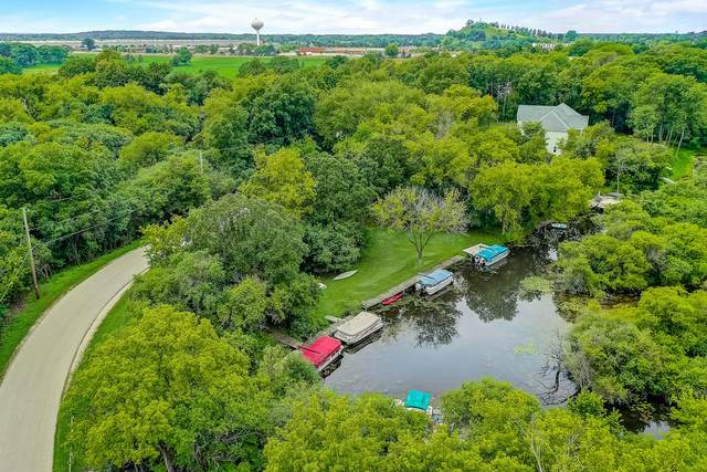 3740 Crescent Dr, Oconomowoc Lake, WI 53066 (#1749011) :: Keller Williams Realty - Milwaukee Southwest
