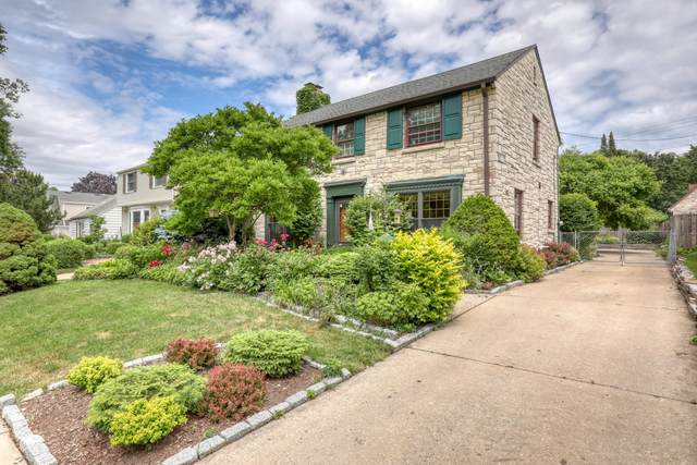 2722 S 44th St, Milwaukee, WI 53219 (#1749412) :: RE/MAX Service First