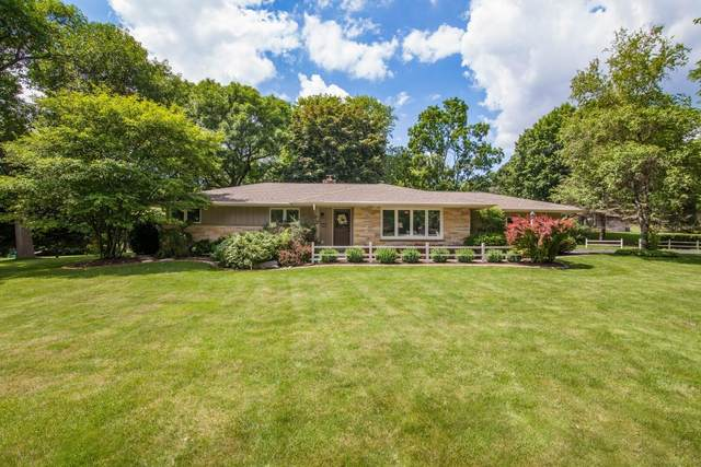 18415 Countryside Ct, Brookfield, WI 53045 (#1749936) :: Re/Max Leading Edge, The Fabiano Group
