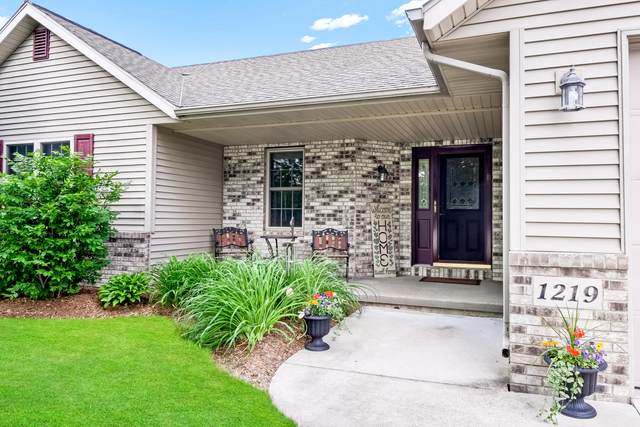 1219 Lily Ave, West Bend, WI 53090 (#1749968) :: Keller Williams Realty - Milwaukee Southwest