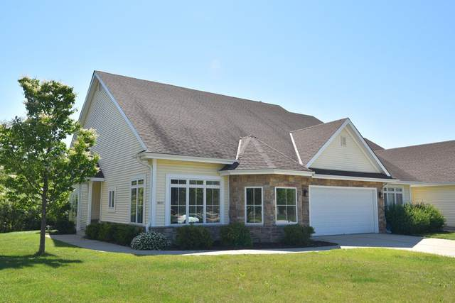 9047 S Cordgrass Cir W, Franklin, WI 53132 (#1750284) :: Keller Williams Realty - Milwaukee Southwest