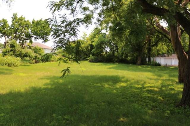 Lt12 Pope St, Lake Mills, WI 53551 (#1750334) :: Tom Didier Real Estate Team