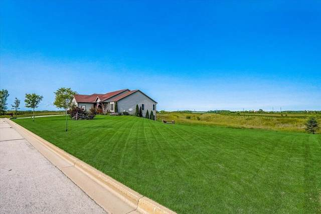 532 Emerald Hills Dr Lt 28, Fredonia, WI 53021 (#1750353) :: Re/Max Leading Edge, The Fabiano Group