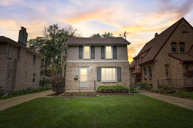 2961 N 74th St, Milwaukee, WI 53210 (#1750498) :: Re/Max Leading Edge, The Fabiano Group