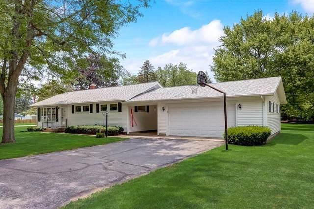 329 Randolph St, Walworth, WI 53184 (#1750759) :: Tom Didier Real Estate Team