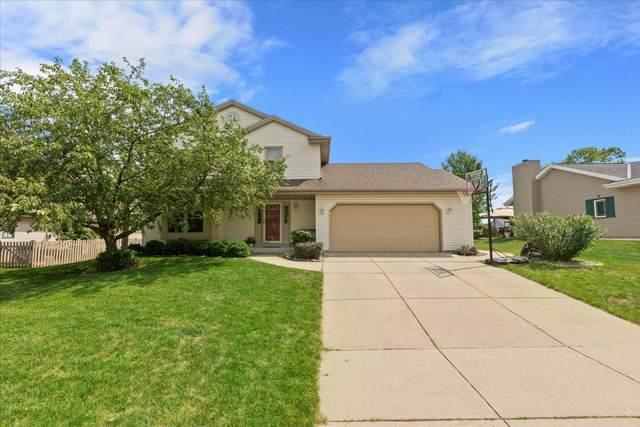 2735 E Emily Ave, Oak Creek, WI 53154 (#1750816) :: EXIT Realty XL