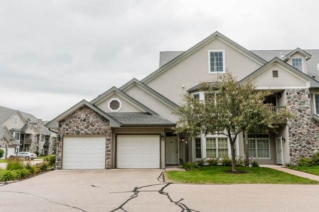 N30W23013 Pineview Cir #6, Pewaukee, WI 53072 (#1750888) :: EXIT Realty XL