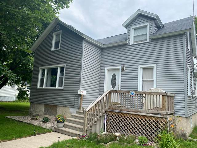 418 Terrace Ave, Marinette, WI 54143 (#1750904) :: Tom Didier Real Estate Team