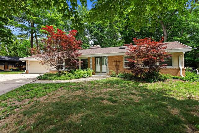 6822 N Crestwood Dr, Glendale, WI 53209 (#1750925) :: Re/Max Leading Edge, The Fabiano Group